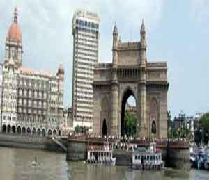 मुंबईत ड्रोन, हलकी विमाने उडवण्यावर बंदी - सुरक्षेच्या कारणास्तव पोलिसांचे आदेश मुंबई,Mumbai - Divya Marathi