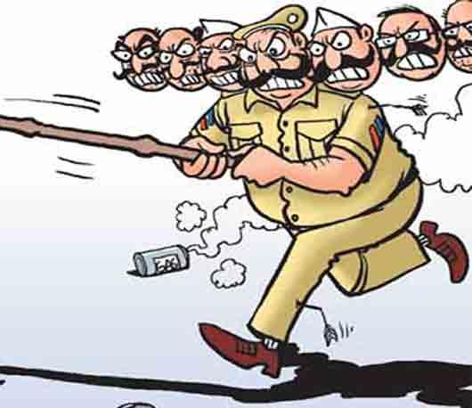ताजा महाराष्ट्र: शिर्डीच्या साई चरणी पोलिस निरीक्षकाची दंडेलशाही|मुंबई,Mumbai - Divya Marathi