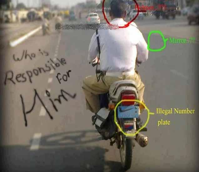 FUNNY: इथे तर पोलिसच कायदा तोडतात, पाहा सोशल नेटवर्कींगवर VIRAL झालेले PHOTOS| - Divya Marathi