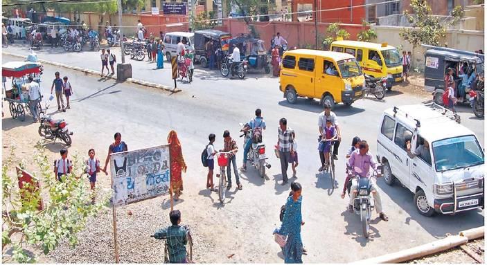 अवैध वाहतूक मस्त, पोलिस सुस्त|अमरावती,Amravati - Divya Marathi