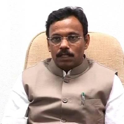 बारावी नापास तावडेंनी दहावीत बसवला डमी, राष्ट्रवादी कॉंग्रेसचा अाराेप|मुंबई,Mumbai - Divya Marathi