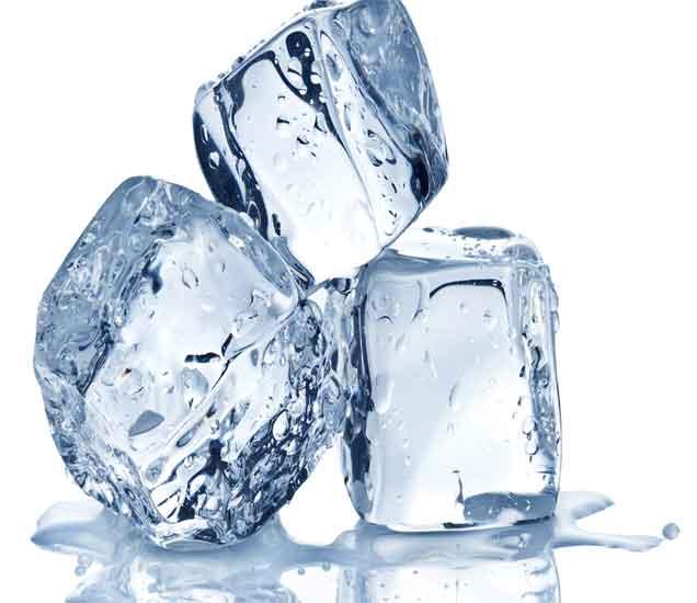 गार-गार बर्फाचे अनेक फायदे...|देश,National - Divya Marathi