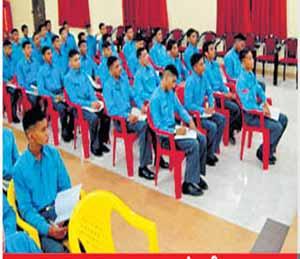 औरंगाबाद यंथील सैनिकी सेवापूर्व शिक्षण संस्था - Divya Marathi
