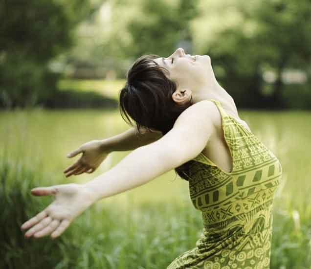लांब केस हवेय...या पद्धतींचा अवलंब केल्याने वाढतील तुमचे केस...| - Divya Marathi