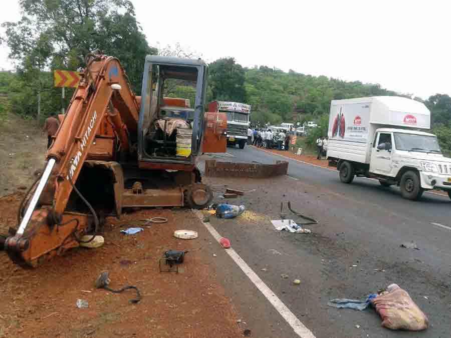ताजा महाराष्ट्र :  ट्रकच्या धडकेत एक ठार तर एक गंभीर|मुंबई,Mumbai - Divya Marathi