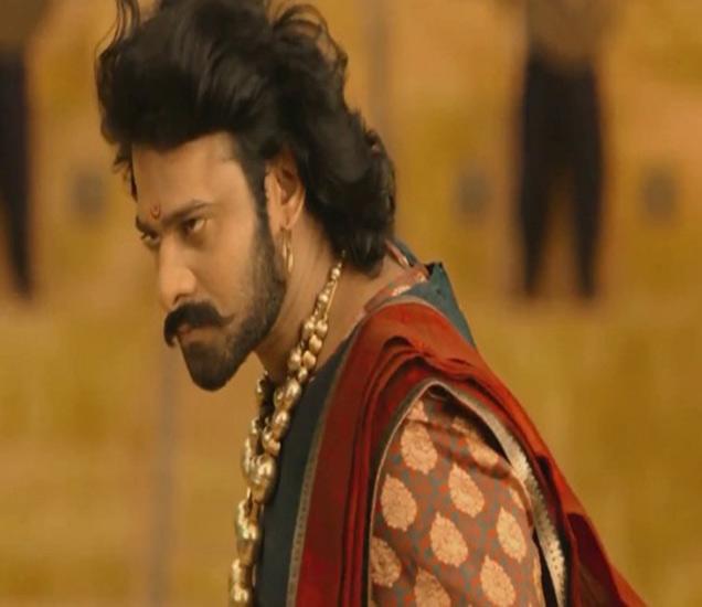 पहिल्याच दिवशी 50 कोटींचा गल्ला जमवणारा पहिला भारतीय सिनेमा ठरला \'बाहुबली\'| - Divya Marathi