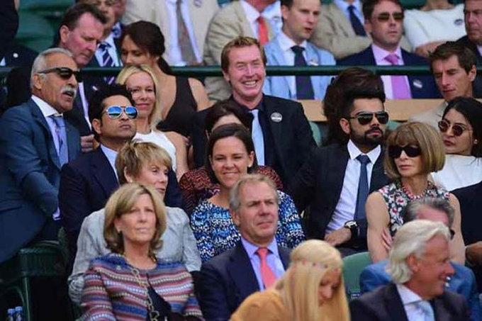 PHOTOS: अनुष्का आणि विराट पोहोचले विंबल्डन पाहायला, सचिन आणि डॉ. अंजलीही होते सोबत. क्रिकेट,Cricket - Divya Marathi