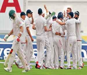 अॅशेस : इंग्लंडचा ऑस्ट्रेलियाला दणका, पहिल्या कसोटीत १६९ धावांनी विजय|स्पोर्ट्स,Sports - Divya Marathi