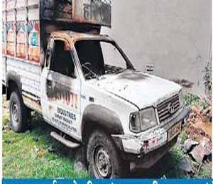 चोरीचा प्रयत्न फसला म्हणून गाडी जाळली|औरंगाबाद,Aurangabad - Divya Marathi