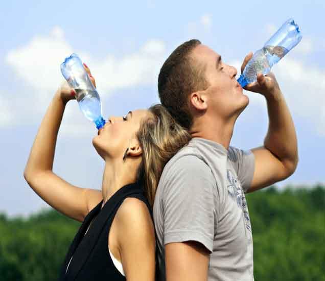 उपाशापोटी पाणी पिण्याचे 10 फायदे, तुम्ही राहाल निरोगी| - Divya Marathi