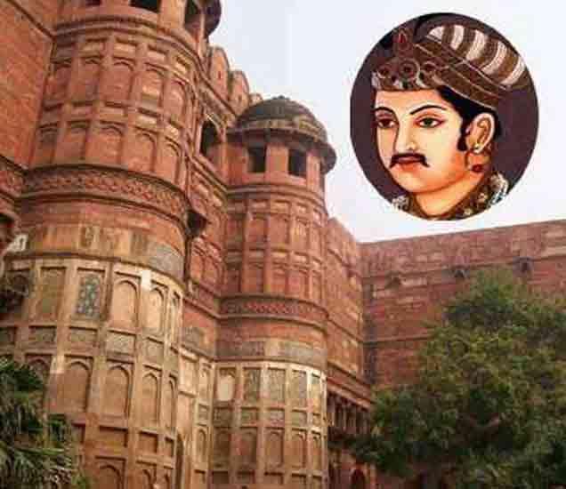 सम्राट अकबराची 4 रहस्ये,  जवळच्याच माणसाने केली होती उघड देश,National - Divya Marathi