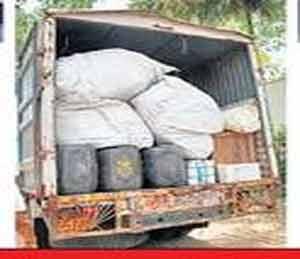 स्पिरिटची वाहतूक करणारा ट्रक. - Divya Marathi