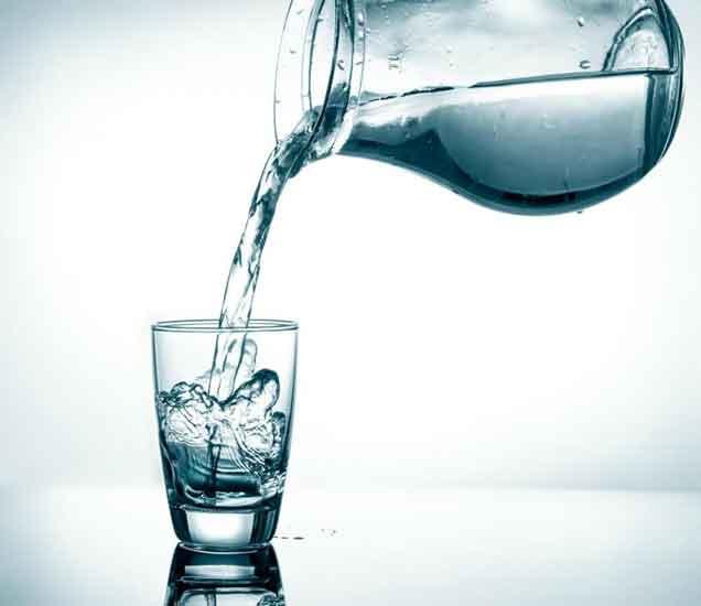 दोन ग्लास पाणी प्यायल्याने वजन होईल कमी, तुम्ही राहाल फिट| - Divya Marathi