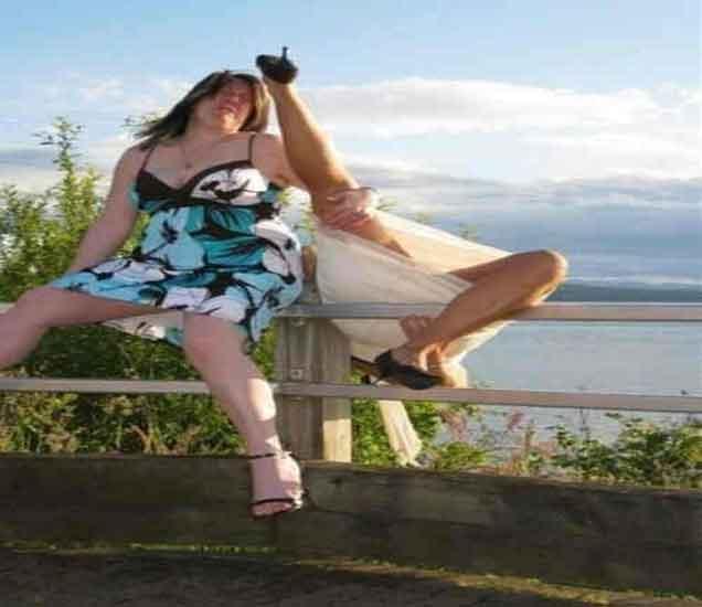 FUNNY: फोटो पाहा आणि खळखळुन हसा, योग्य क्षणी टिपलेली छायाचित्रे| - Divya Marathi