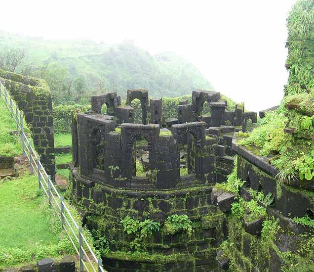 शिवाजी महाराजांची राजधानी पाहायची ? तर मग क्लिक करा नि थेट रायगडावर जा !|देश,National - Divya Marathi