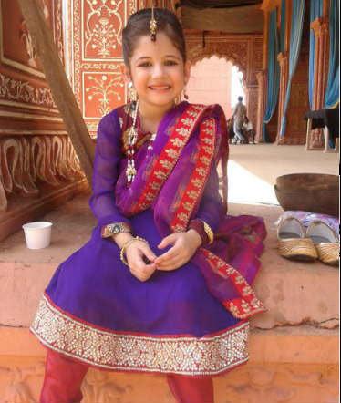 पाच हजार मुलींमधून हर्षालीची निवड, जाणून घ्या \'बजरंगी...\'मधील \'मुन्नी\'विषयी सर्वकाही| - Divya Marathi