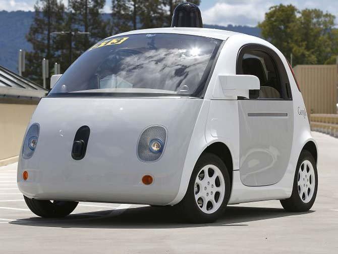 Google कारचा अपघात, तब्बल 14 अपघातानंतर प्रथमच लोक जखमी|बिझनेस,Business - Divya Marathi