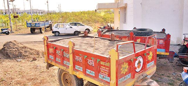 सायगव्हाण शिवारातून चार ट्रॉली अवैध वाळू जप्त|औरंगाबाद,Aurangabad - Divya Marathi