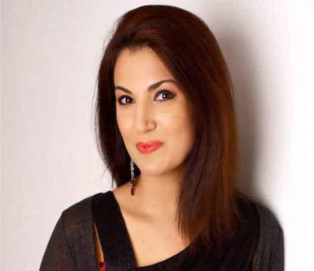 PHOTOS:  ही आहे पाकच्या माजी क्रिकेटरची पत्नी, पत्रकारितेच्या बनावट पदवीमुळे सापडली वादात|स्पोर्ट्स,Sports - Divya Marathi