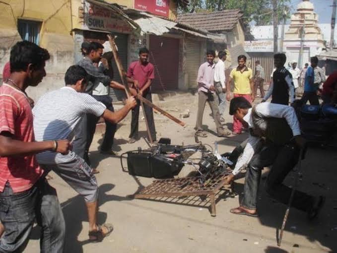 मुलीची छेड: जमशेदपूरला भडकली दंगल, तणावाचे वातावरण, अनेक पोलिस जखमी|देश,National - Divya Marathi