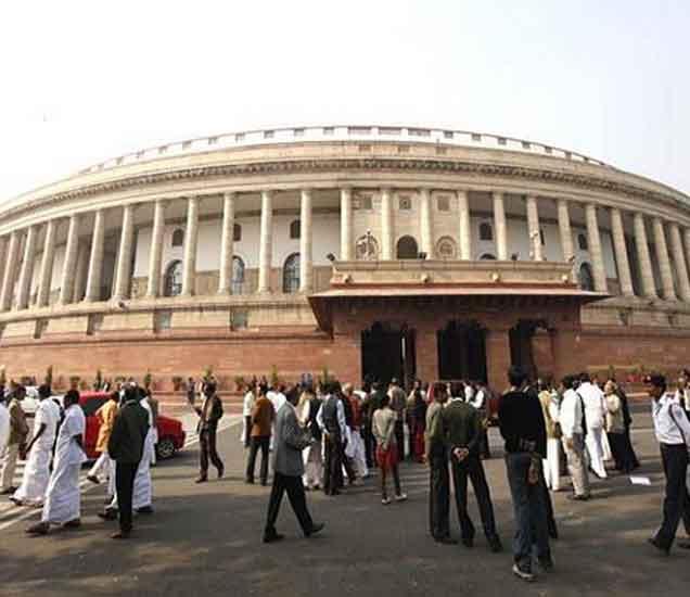 सुषमा स्वराज यांच्या राजीनाम्यावर विरोधक अडून, सोनिया-राहुल देणार धरणे|देश,National - Divya Marathi