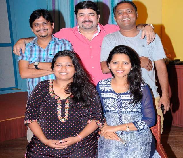 First Look : प्रशांत दामलेंचे नवे कॉमेडी नाटक, 'गुण्यागोविंदाने'|मराठी सिनेकट्टा,Marathi Cinema - Divya Marathi
