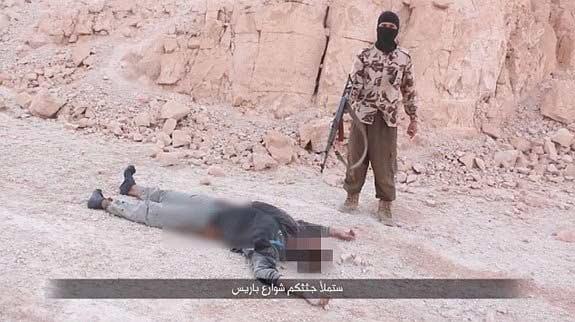 ISIS धुडकावतेय खलिफा बगदादीचा आदेश? शिक्षेचे निर्घृण फोटो पुन्हा जारी|विदेश,International - Divya Marathi