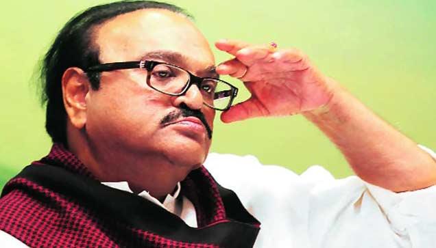 तेलगीकडून भुजबळांना 4 कोटींची लाच, अायुक्तांच्या नियुक्तीतही घेतले पैसे|मुंबई,Mumbai - Divya Marathi