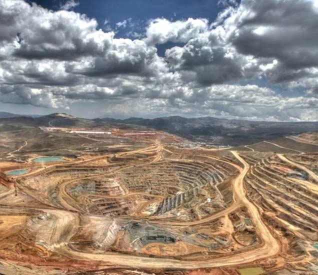 टॉप-10 देश: या देशांमधून निघतो सोन्याचा धूर,खाणीमधून असे काढले जाते सोने| - Divya Marathi
