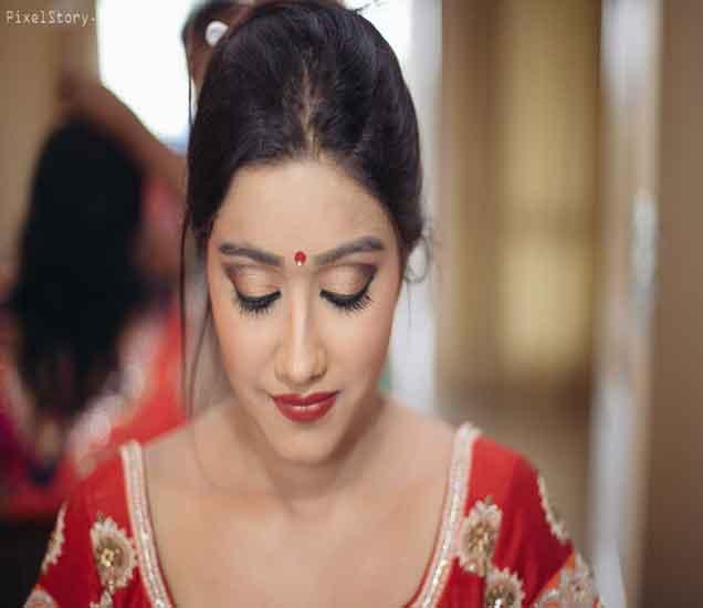 मुलींचे सौंदर्यच नाही तर या गुणांकडेही पाहतात मुले...| - Divya Marathi