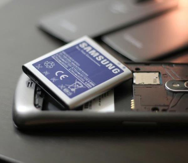 स्मार्टफोन बॅटरीबाबत 8 Common Myths, यावर विश्वास ठेवू नका|बिझनेस,Business - Divya Marathi