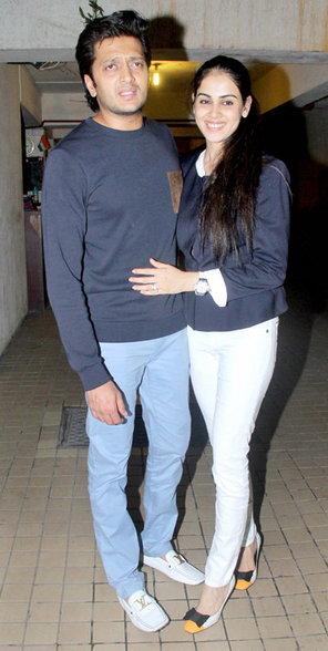 बहीण करीनाच्या पार्टीत गर्लफ्रेंडसोबत पोहोचला रणबीर, या सेलिब्रिटींनीही एन्जॉय केली पार्टी|देश,National - Divya Marathi