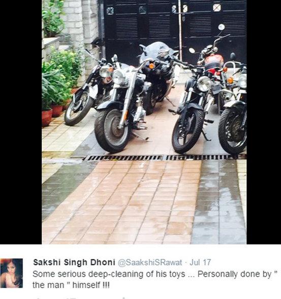 कॅप्टन कुल धोनी असा करतोय सुट्या एन्जॉय, पाहा PHOTOS|स्पोर्ट्स,Sports - Divya Marathi