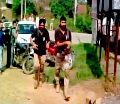 #GurdaspurAttack एसपीसह 8 पोलिस शहीद, 3 दहशतवादी ठार|देश,National - Divya Marathi
