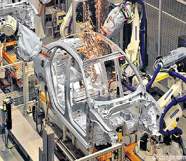 चीनमध्ये जगातील पहिला मानवविरहित कारखाना, रोबोटच्या माध्यमातूनच सर्व काम|विदेश,International - Divya Marathi