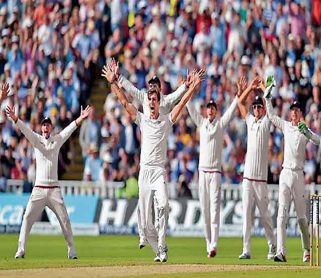अॅशेस मालिका: यजमान इंग्लडला विजयाची संधी !|स्पोर्ट्स,Sports - Divya Marathi