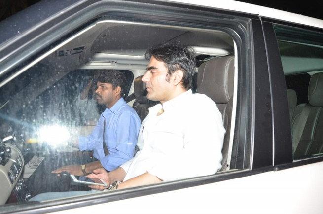 फॅमिली फ्रेंड्ससोबत बर्थडे साजरा करत होती सलमानची बहीण, पोलिसांनी थांबवली पार्टी  - Divya Marathi