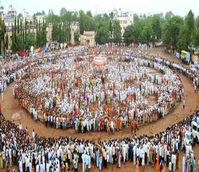 पंढरपूर : गोपाळकाल्याने आषाढी यात्रेची सांगता; दर्शनासाठी भाविकांच्या रांगा सोलापूर,Solapur - Divya Marathi