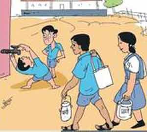 नगर जिल्ह्यातील एक हजार विद्यार्थ्यांच्या घशाला कोरड, 37  ZP शाळांमध्ये नाही पाणी अहमदनगर,Ahmednagar - Divya Marathi