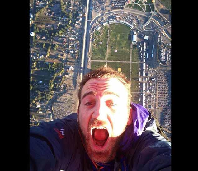 FUNNY: जीव गेला तरी चालेल, मात्र आम्ही Selfie काढणारच!, पाहा धम्माल उडवून देणारे Photo| - Divya Marathi
