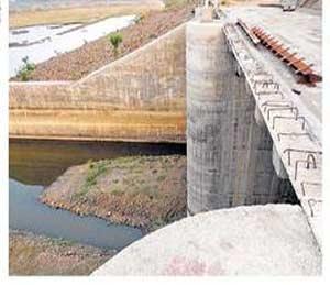 सिंचन प्रकल्पांना आहे 'ओव्हर फ्लो'ची आस : १४ पाणी वापर संस्थानांही बसणार फटका|अमरावती,Amravati - Divya Marathi