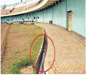 मैदानाच्या गटारीत पडल्याने खेळाडूची किडनी निकामी|जळगाव,Jalgaon - Divya Marathi