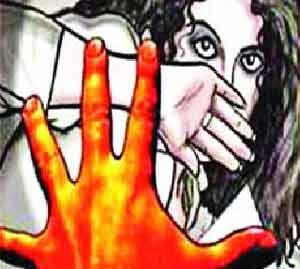 काठीने वार करून पत्नीची केली हत्या|अमरावती,Amravati - Divya Marathi