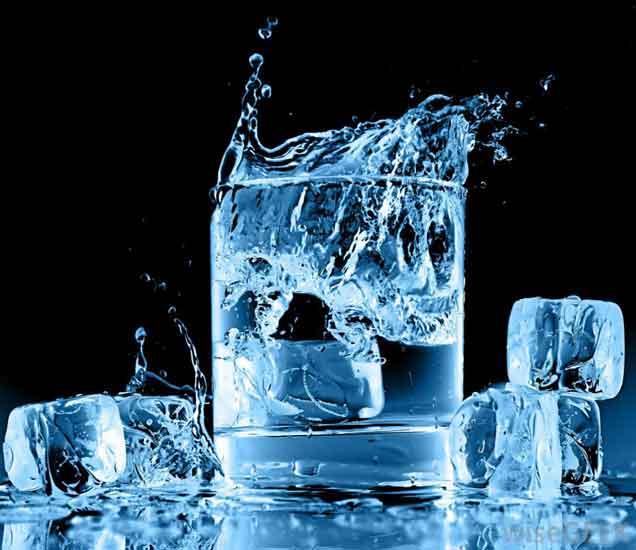 तुम्ही एकदम गार पाणी तर पित नाही ना, पित असाल तर सावधान...| - Divya Marathi