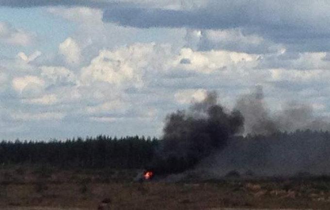 VIDEO: रशियात एअर शोमध्ये हेलिकॉप्टर कोसळले, वैमानिकाचा मृत्यू|विदेश,International - Divya Marathi