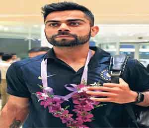 श्रीलंका दौरा | कोहलीच्या नेतृत्वात भारताचा कसोटी संघ लंकेत दाखल|स्पोर्ट्स,Sports - Divya Marathi