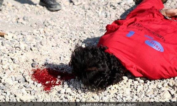 VIDEO आयएसआयएसने मुलाकडून करून घेतली हेराची हत्या|विदेश,International - Divya Marathi