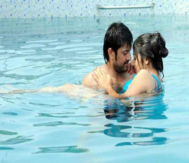 डेटिंगसाठी स्वस्त आणि रोमँटीक टिप्स, भेट बनेल अविस्मरणीय...  - Divya Marathi