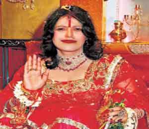 स्वयंघोषित गुरू राधे माँ अटकेच्या भीतीने परागंदा, तक्रारदार महिलेमुळे उघड राधे माँच्या रंजक गोष्टी|मुंबई,Mumbai - Divya Marathi