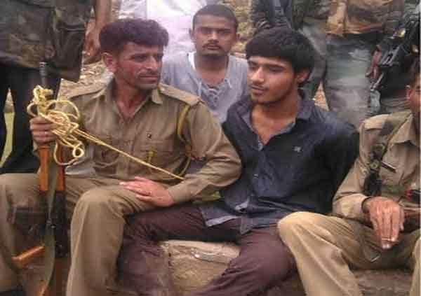 क्रुरकर्मा कसाबनंतर पहिल्यांदा हाती आला जिवंत पाकिस्तानी दहशतवादी!|देश,National - Divya Marathi